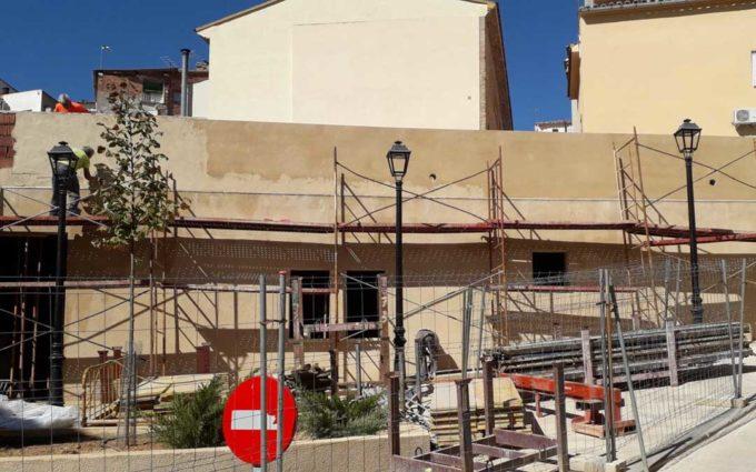 Albalate tendrá al menos 16 nuevas plazas de aparcamiento en la plaza del Voluntario