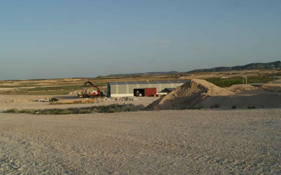 Área en la que se extrae el yeso y el alabastro y que ya dispone de agua/ M. Q.