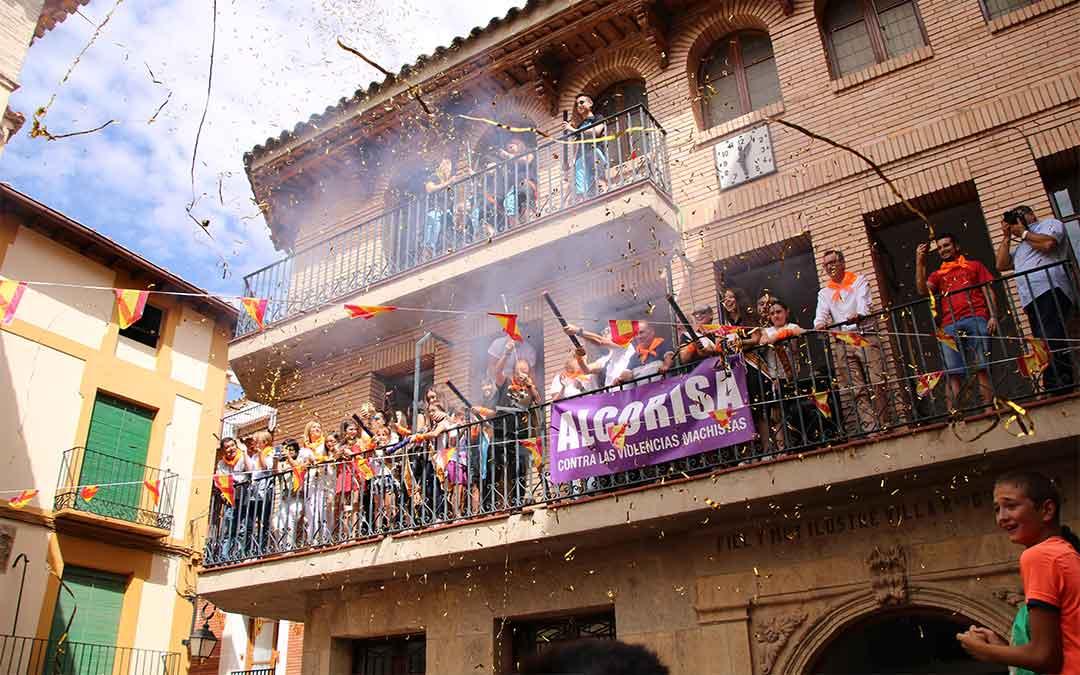 Foto de archivo del chupinazo de las fiestas de Alcorisa de 2019 que no se repetirá este año./L.C.