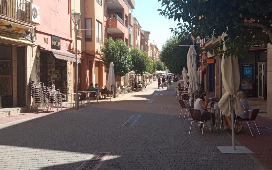Estado de la avenida San Jorge de Andorra este jueves una horas antes de ser confinada hace tres semanas