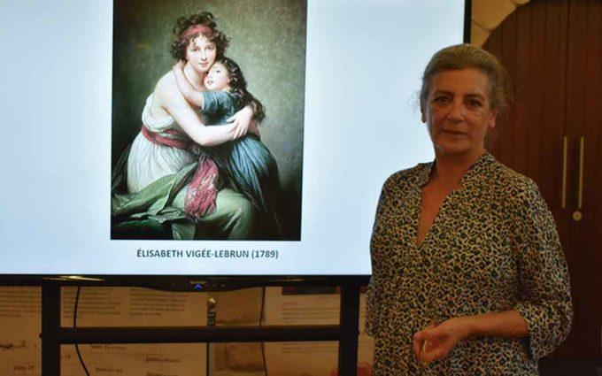 Ángeles Caso: «Todavía hay invisibilidad de la mujer en el arte»