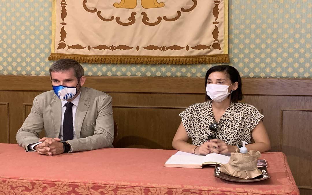 Ignacio Urquizu y Maria Milián durante la rueda de prensa de este viernes./Ayuntamiento de Alcañiz