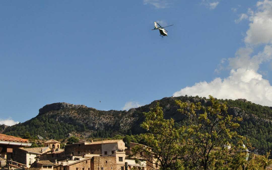 El helicóptero de la Guardia Civil ha tenido que volver a aterrizar en Beceite por tercera vez en un mes.