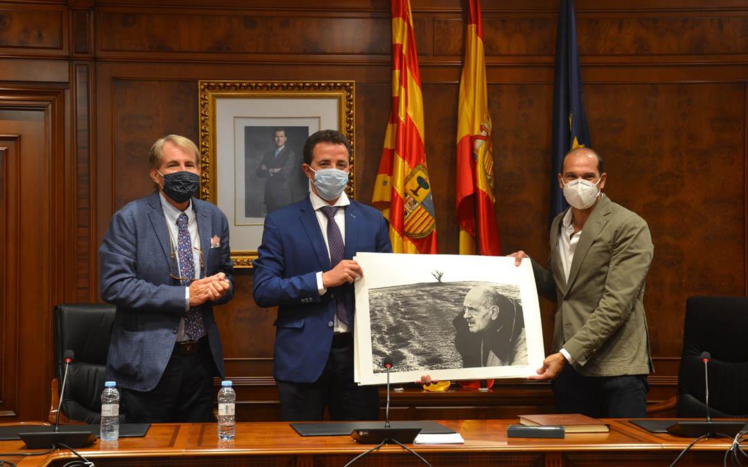 Blázquez, Herrero y Nerone en el ayuntamiento de Calanda