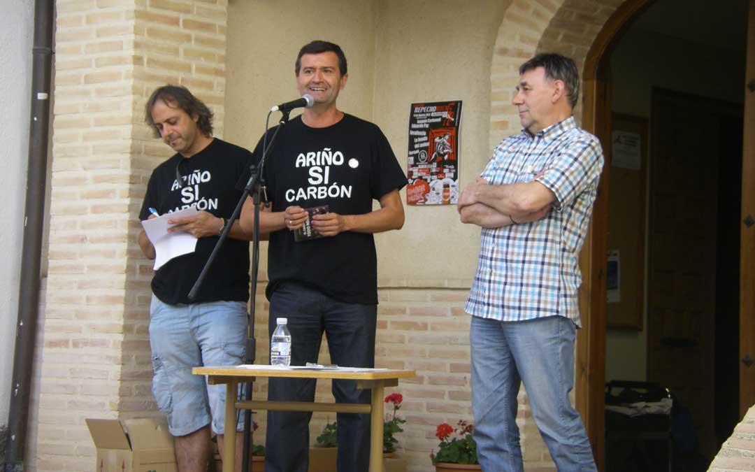 Presentación en Ariño de su canción 'El carbón es todo negro' en 2012 / Cedida por Joaquín Noé