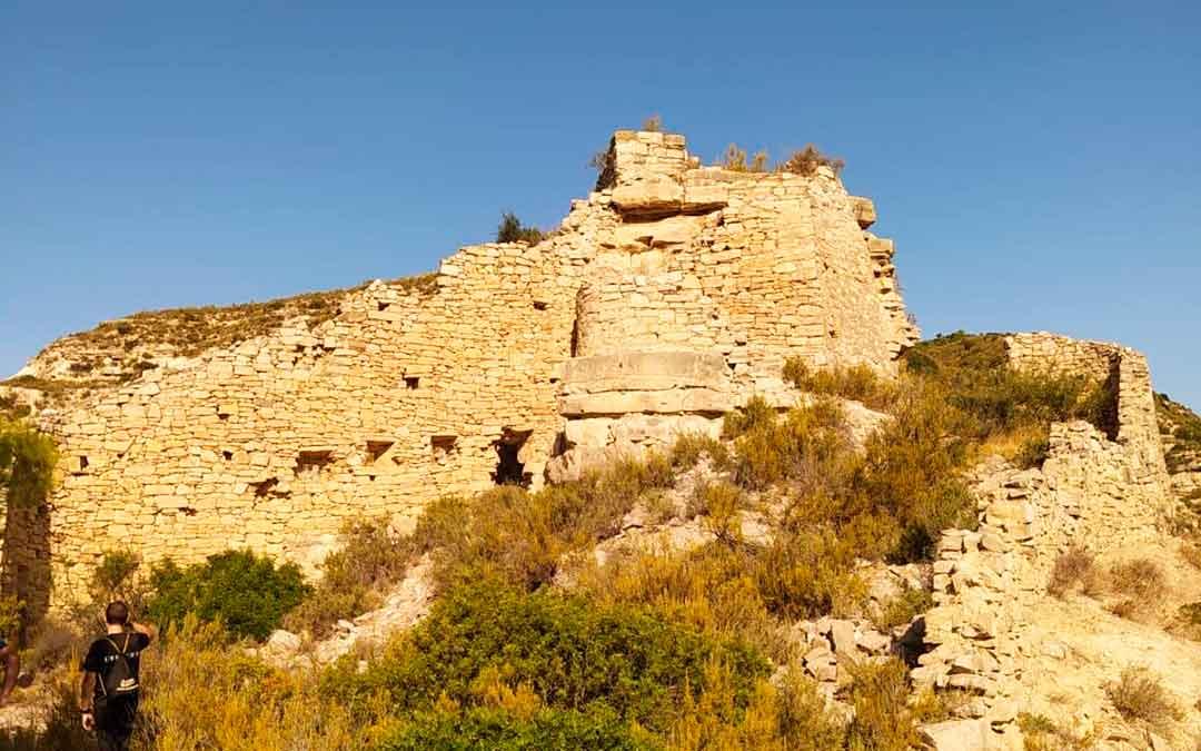Imagen del castillo Badó, de Fayón.