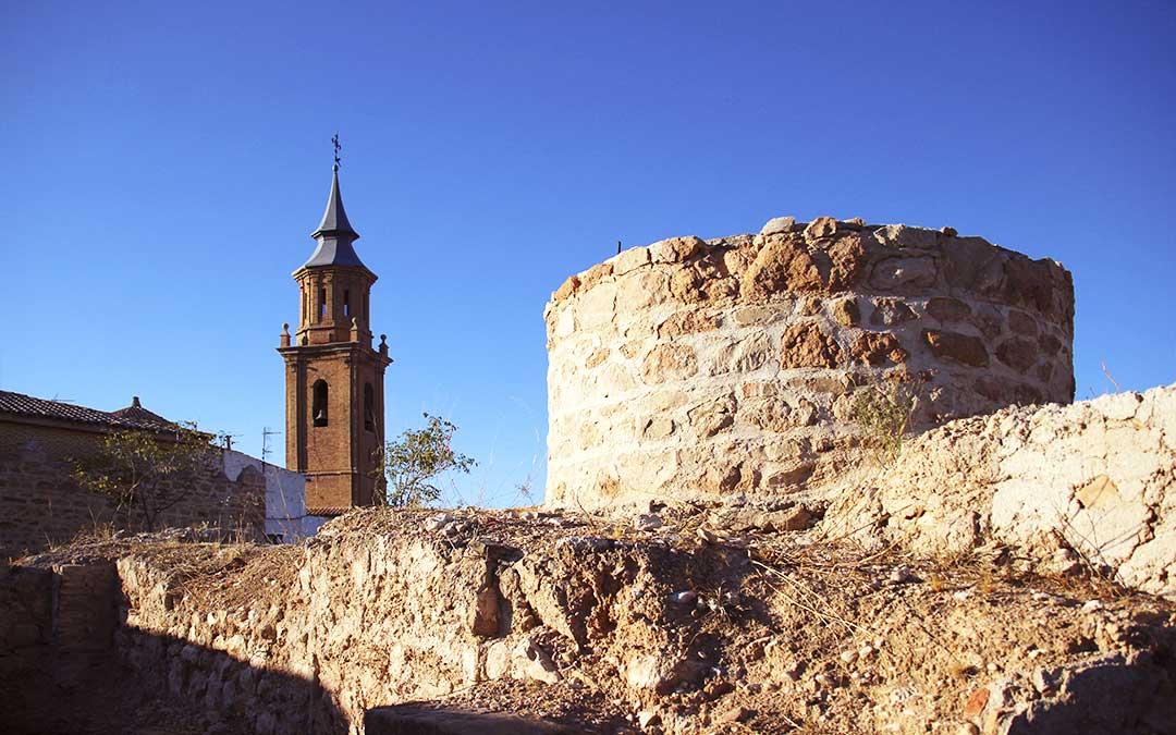 Torre del Templo del Pilar vista desde el Castillo de Calanda./ L.C.