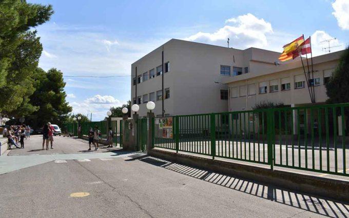 Tres colegios de Caspe cierran aulas por casos positivos de covid-19