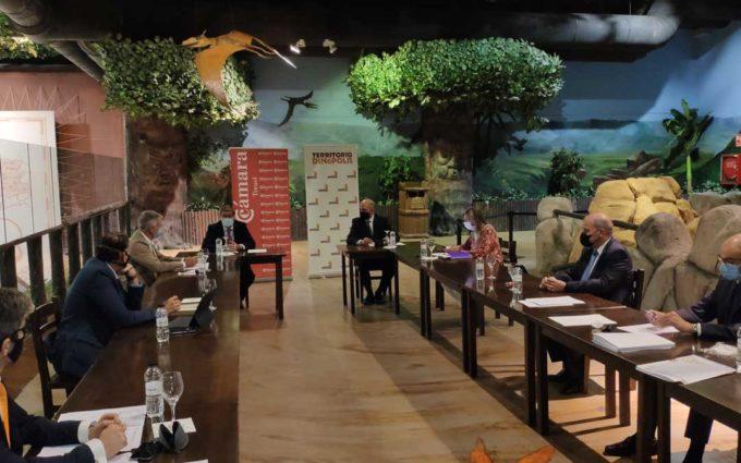 La Cámara de Comercio celebra su comité ejecutivo en Dinópolis, socio del Club Cámara Empresas
