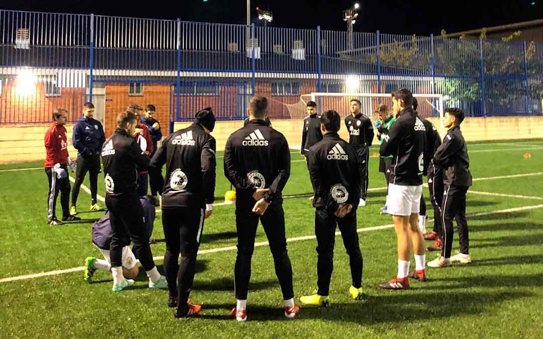 Entrenamiento del primer equipo del Club Deportivo Caspe.