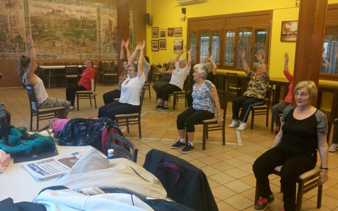 Una de las muchas actividades realizadas en el Hogar del Pensionista es la gimnasia de mantenimiento./H.Pensionista