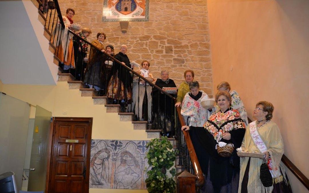 El Hogar del Pensionista participa todos los años en la romería al Santuario de Pueyos./H.Pensionista