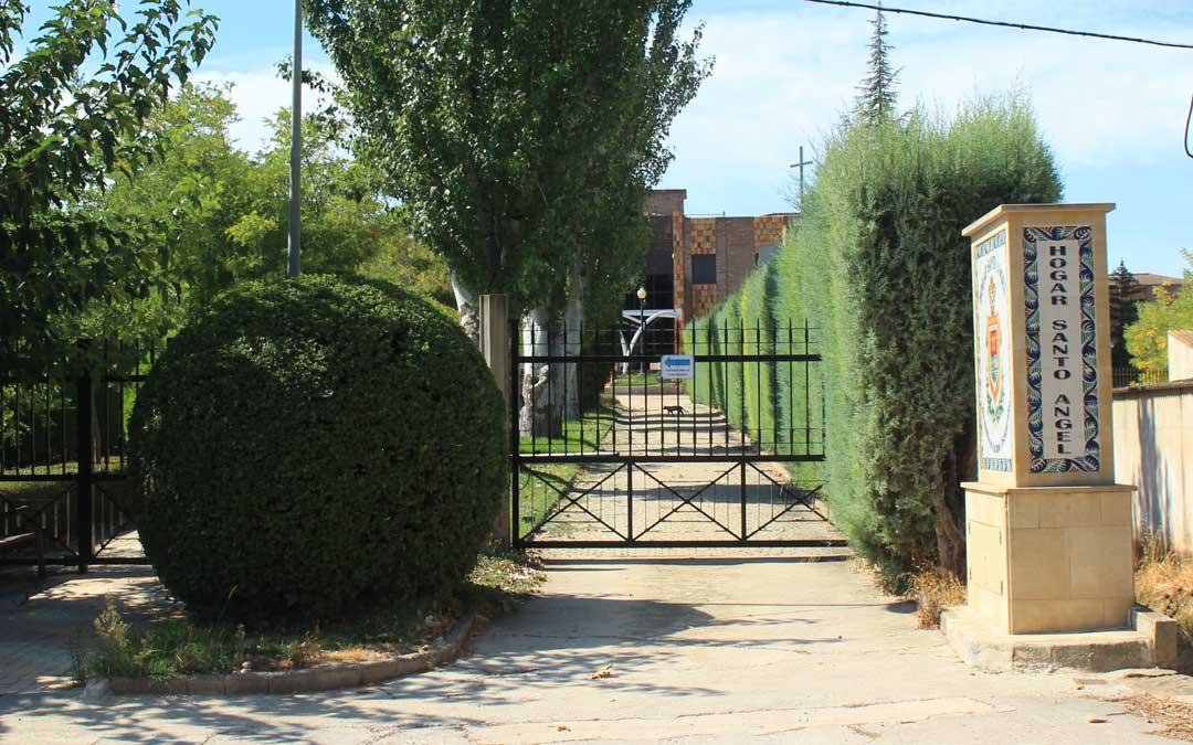 El Hogar Santo Ángel de Alcañiz / L. Castel