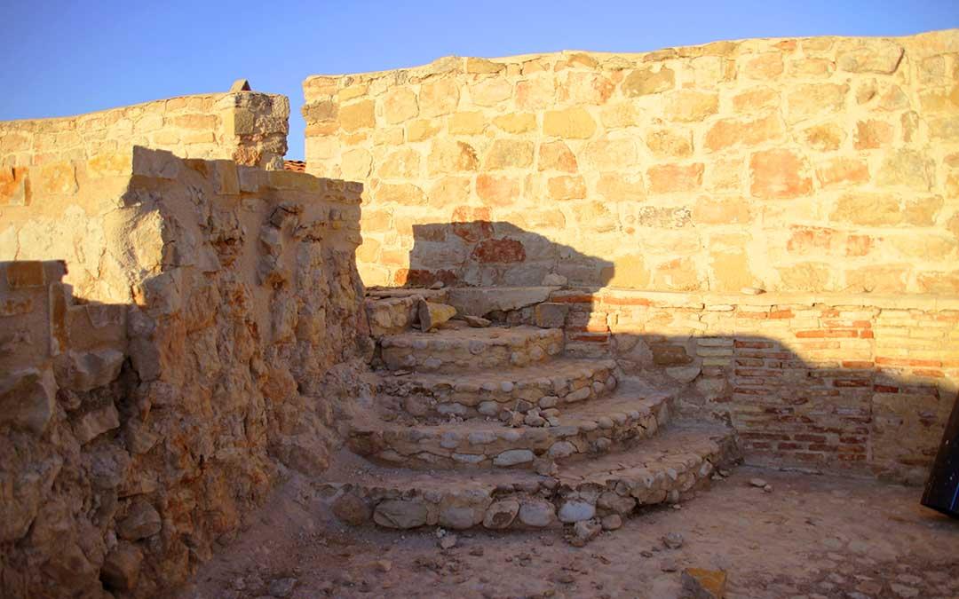 Escaleras interior del Castillo de Calanda