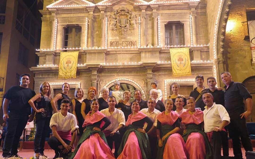 Por el Grupo Folclórico Malandía han pasado más de 240 personas que tenían en común su amor por las tradiciones aragonesas./C. Quílez