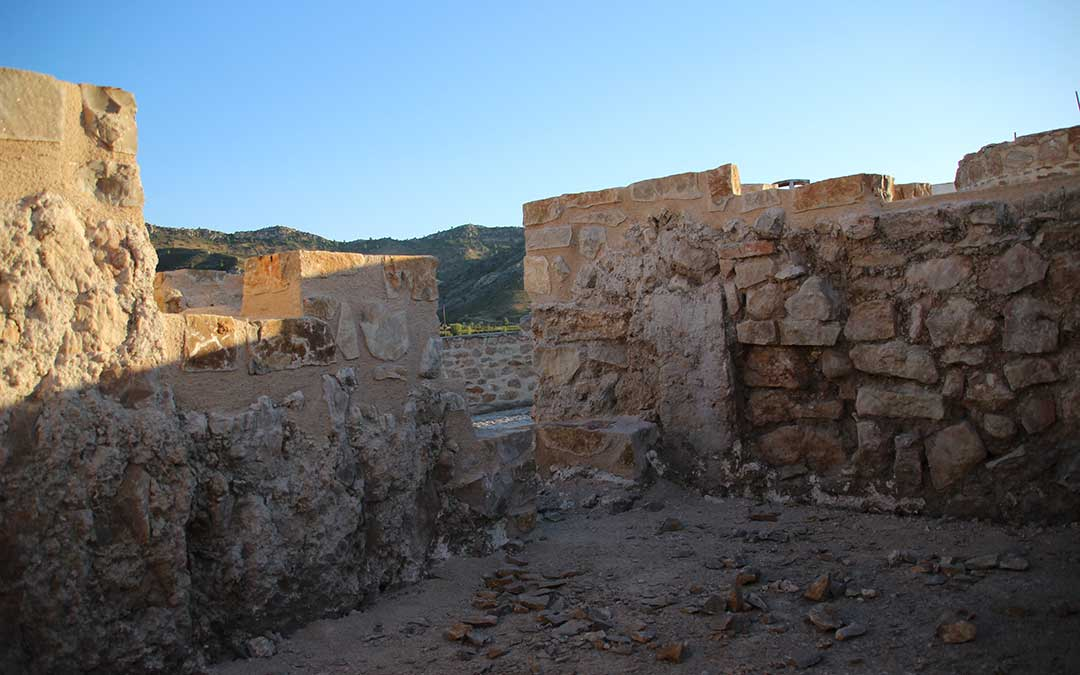 Muros del Castillo de Calanda