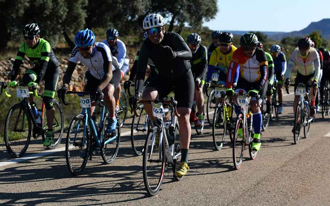 Participantes en la edición de la Sesé Bike Tour del pasado año