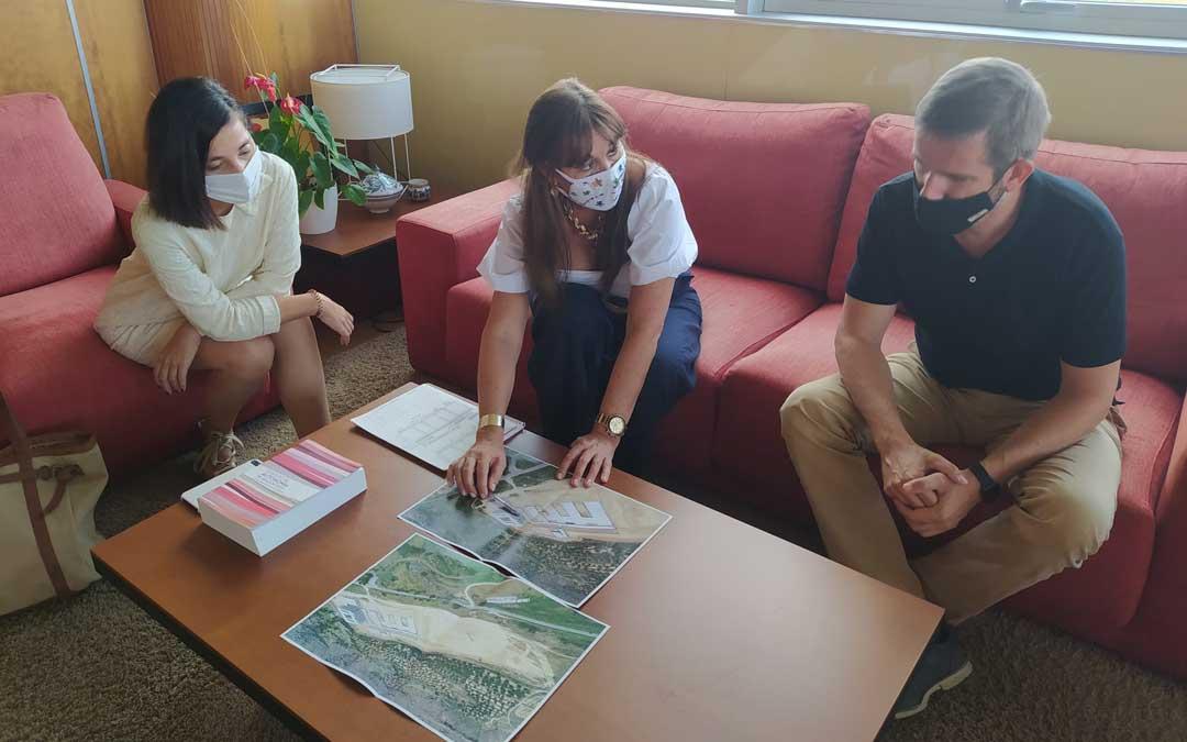 Reunión de Urquizu y Milián con la consejera de Sanidad