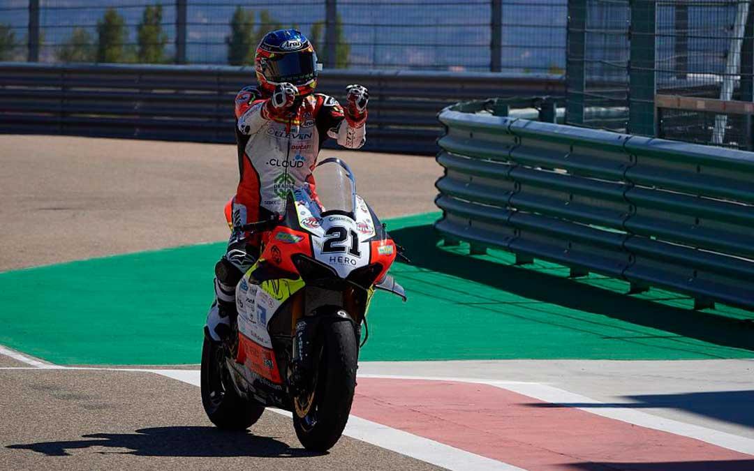Rinaldi sobre las dos ruedas durante la celebración del WorldSBK 2020 en Motorland Aragón./ Motorland