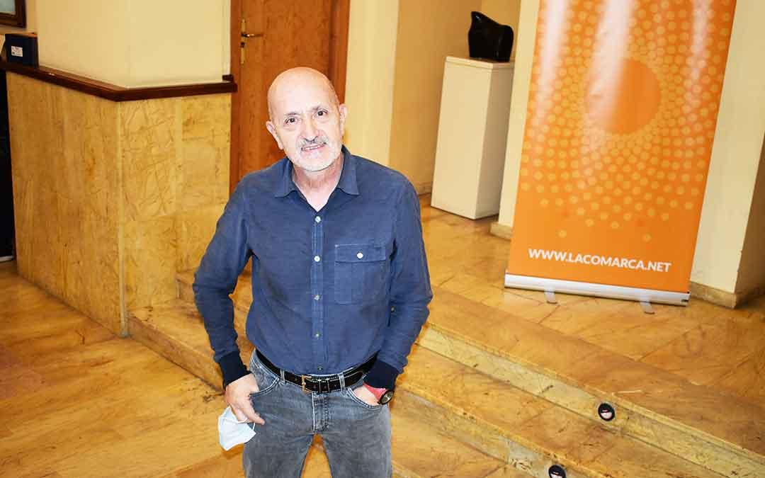 El escritor y montañero Sebastián Álvaro antes de intervenir en el curso de periodismo deportivo de Alcañiz el jueves.