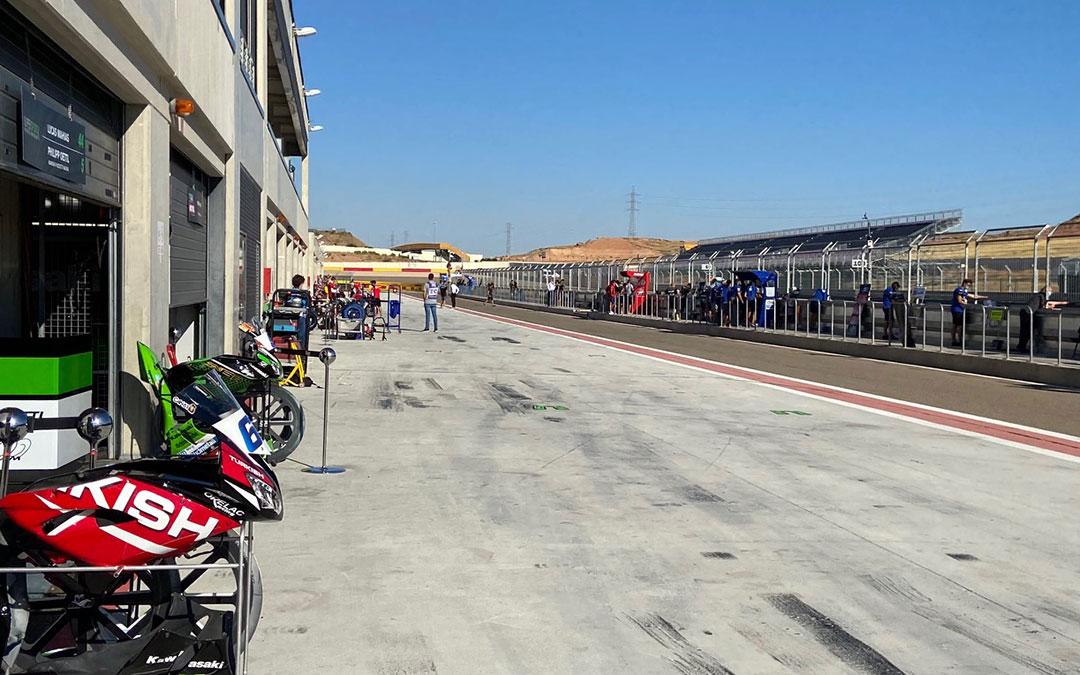 El buen tiempo acompañó a los pilotos y equipos el fin de semana en Motorland, durante la segunda cita del Mundial de Superbikes en el complejo bajoaragonés./