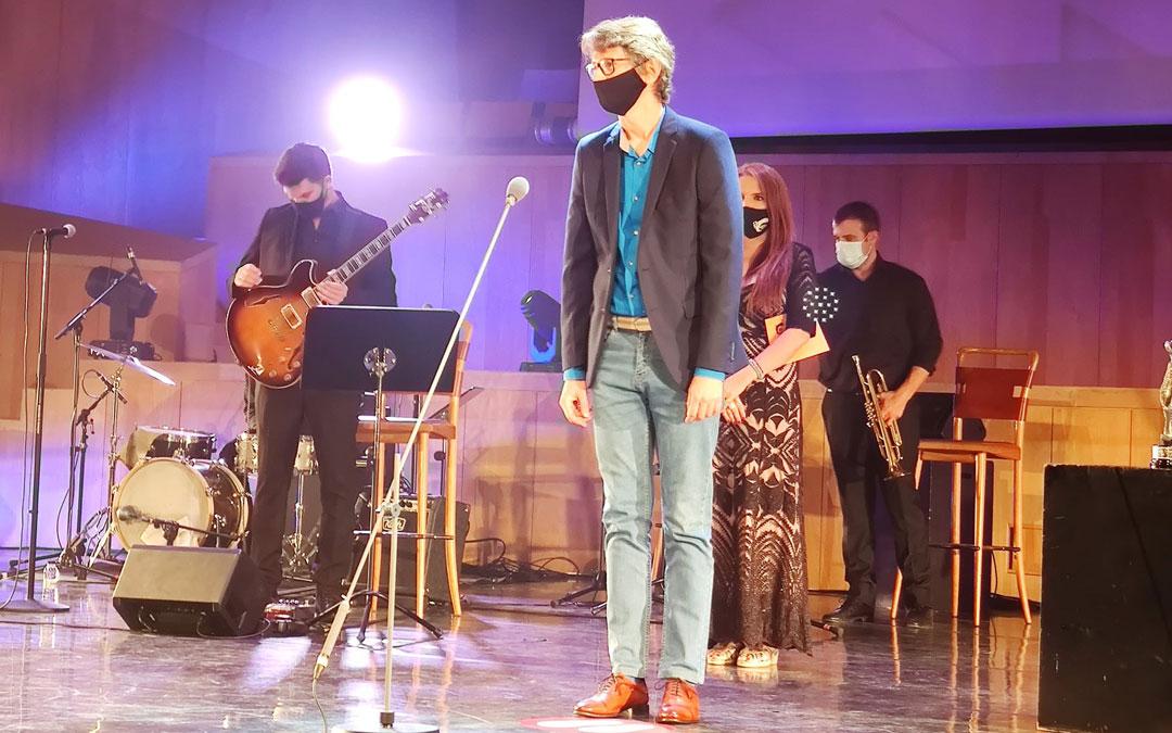 El caspolino Vicente Bordonaba recogió el Premio Simón a Mejor Sonido por 'Planeta 5000'. / Facebook Academia de Cine Aragonés