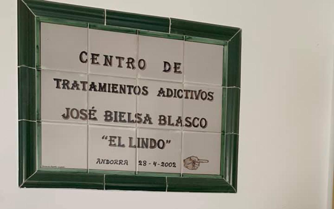 Placa de la entidad ABATTAR./LA COMARCA