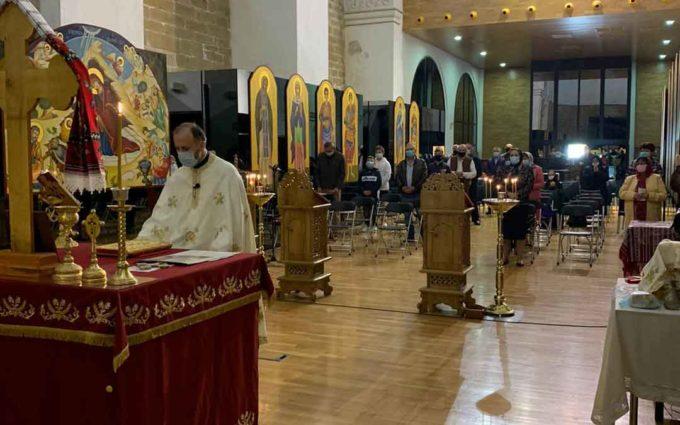La comunidad ortodoxa celebra su primera misa en Atrivm