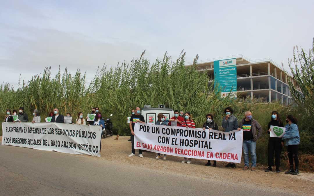 Ignacio Bosque ha leído el manifiesto en el nuevo Hospital / L. Castel