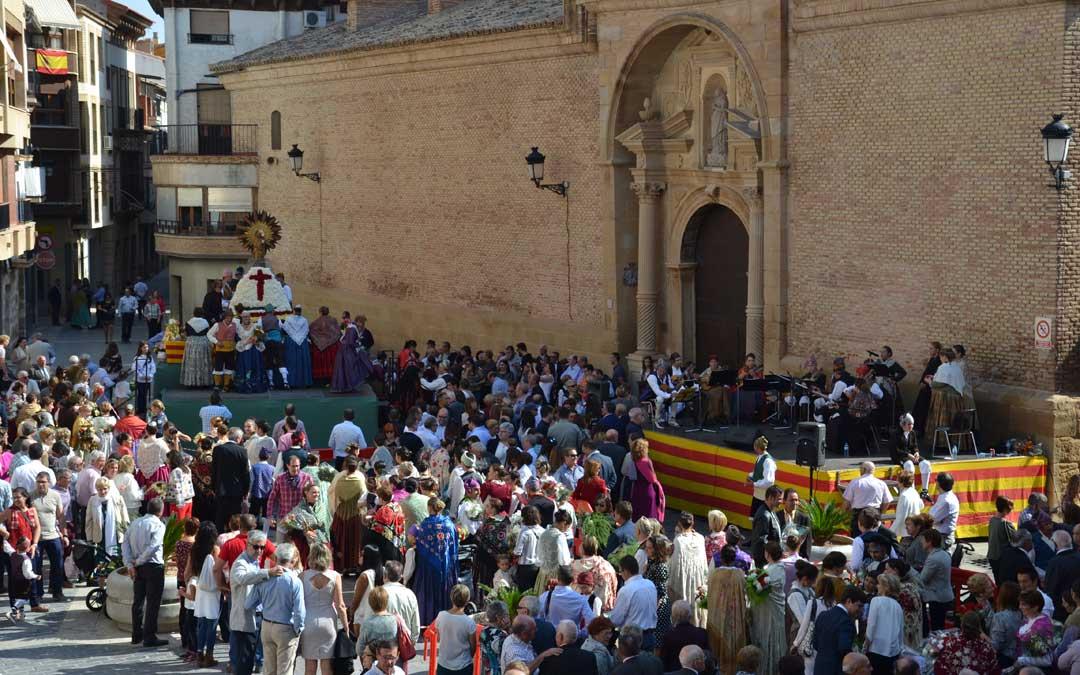 Imagen de archivo de la ofrenda en las Fiestas del Pilar de Calanda. / B. Severino
