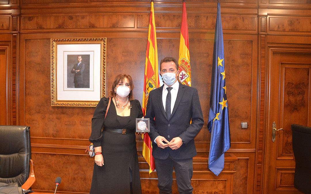 Entrega de la Medalla. Sara Vallés y Alberto Herrero. / M. Q.