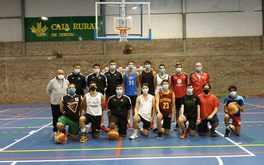 Componentes de los equipos senior y junior del EBA Transverich Alcañiz