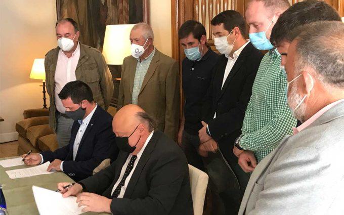 Forestalia y la Asociación de Municipios Altiplano firman un protocolo para impulsar plantas fotovoltaicas desde la sostenibilidad