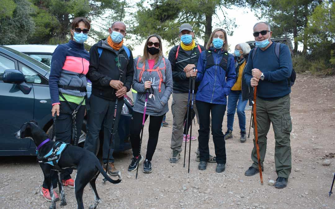 Un grupo de senderistas posando para La Comarca./I.M.