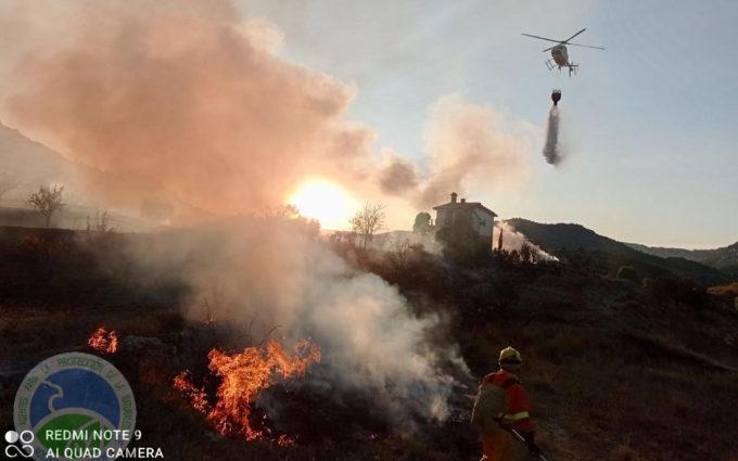 Una quema agrícola en día prohibido provoca un incendio forestal en Jaganta