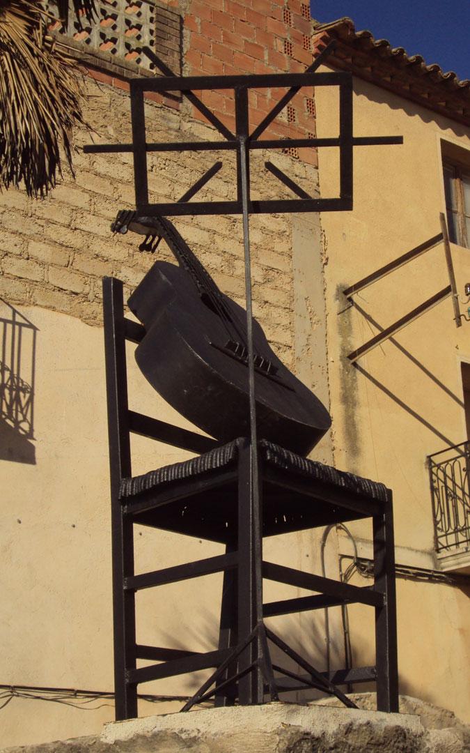 Monumento a los cantautores en Fabara. / Archivo personal Jesús Guallar