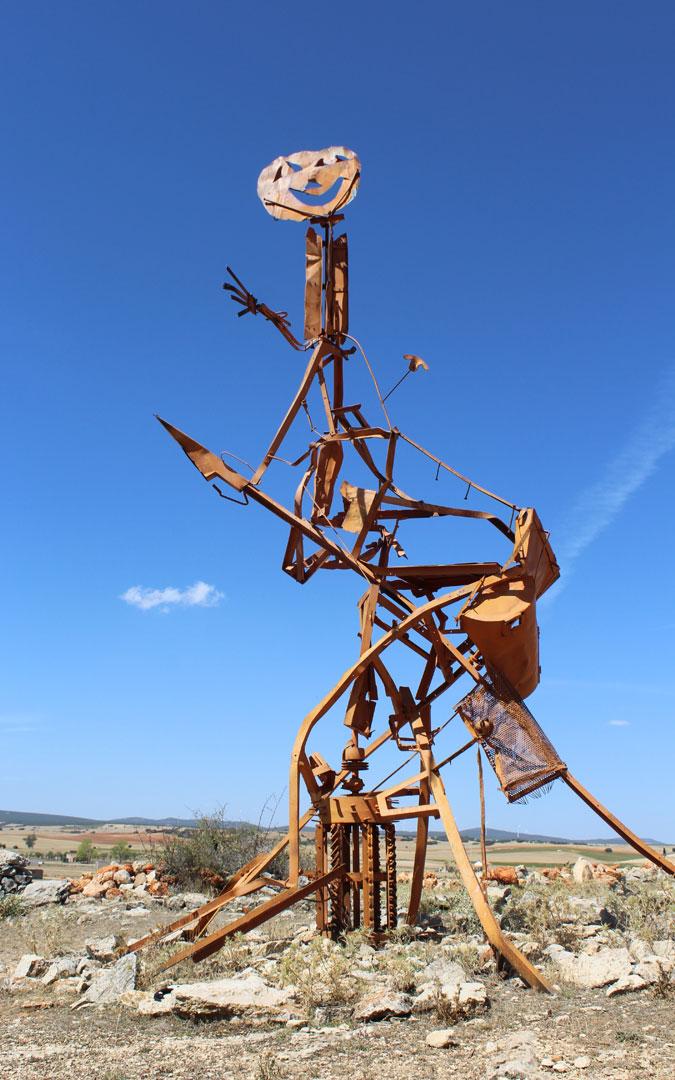 Monumento a la concordia en Blancas. / Archivo personal Jesús Guallar