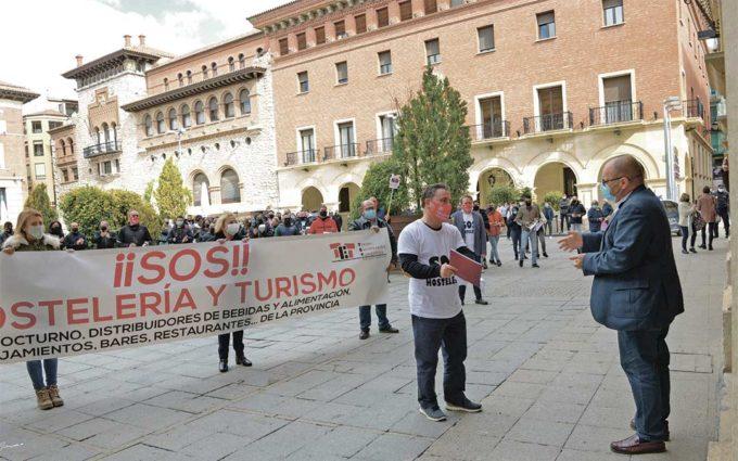 """Los hosteleros turolenses reclaman """"poder trabajar"""" ante las restricciones para frenar el covid"""