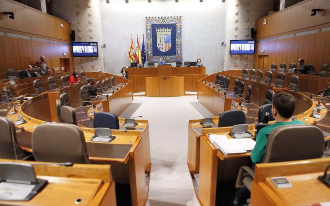 La Plataforma en Defensa de los Paisajes de Teruel rechaza en las Cortes la instalación de 73 proyectos de aerogeneradores