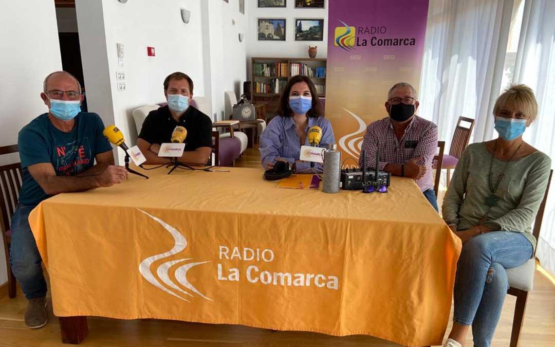 Invitados al programa especial emitido desde el Palacio del Barón de Andilla./ L.C.