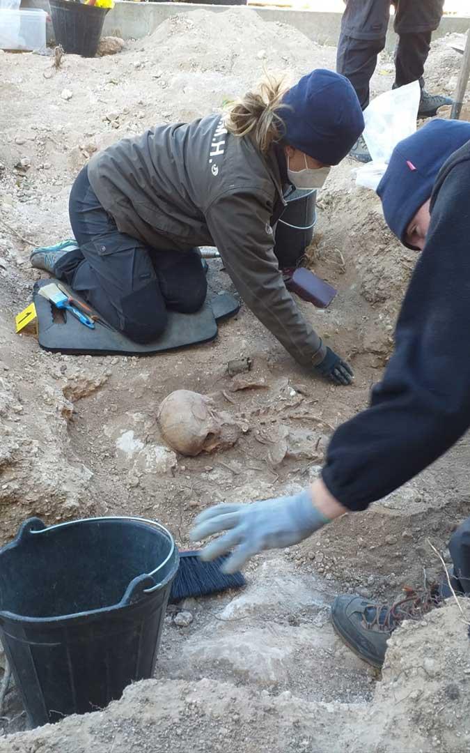 La Asociación para la Recuperación de la Memoria Histórica trabajando en la exhumación de Sebastián Blasco