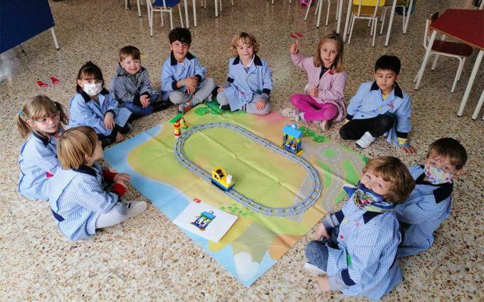 Los alumnos de Infantil del colegio La Inmaculada de Alcañiz aprenden robótica