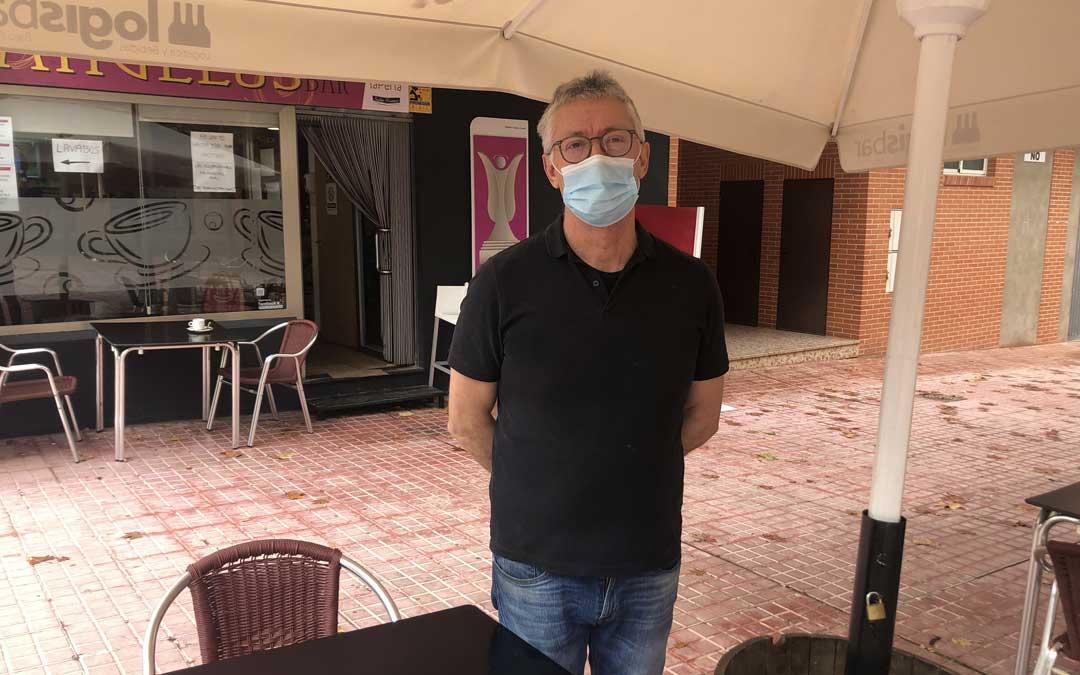 Ángel Beltrán quiere invertir 10.000 euros para colocar un cerramiento / L. Castel