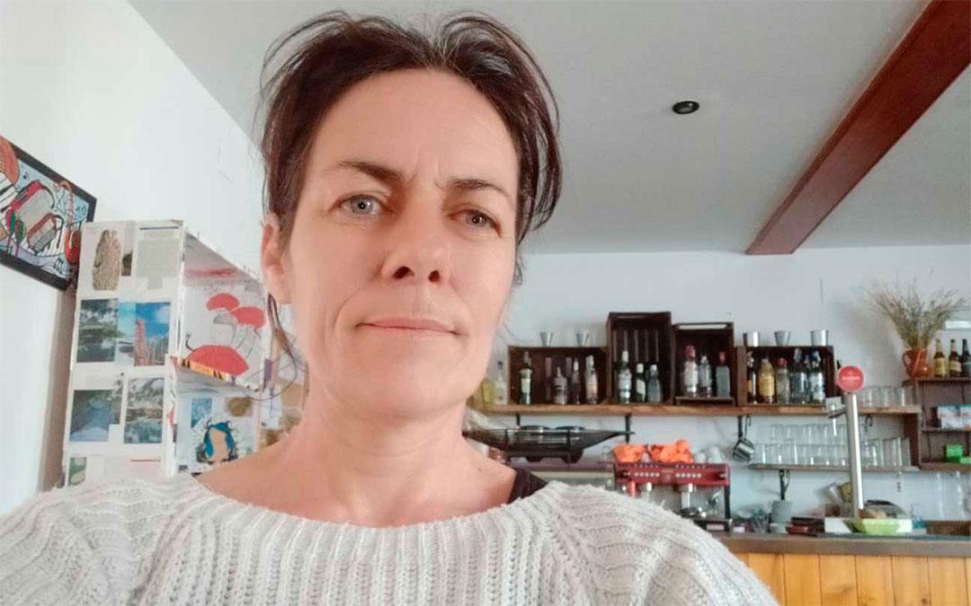 Amparo Granado gestiona el bar de Tronchón