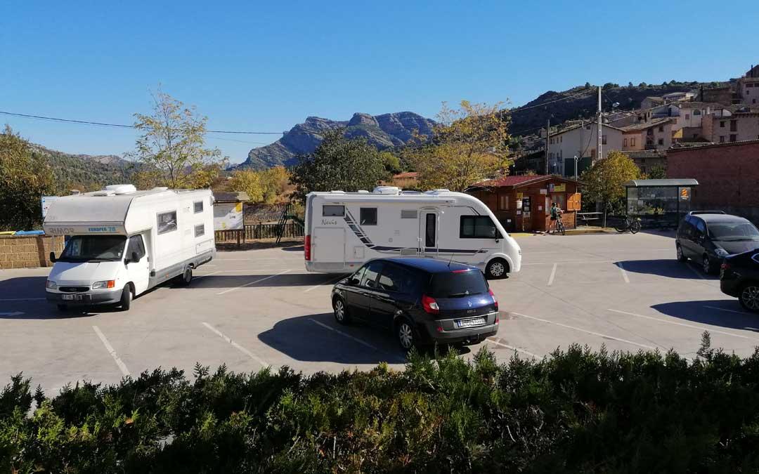 En Beceite se vieron pocos coches y alguna autocaravana procedente del resto de Aragón.