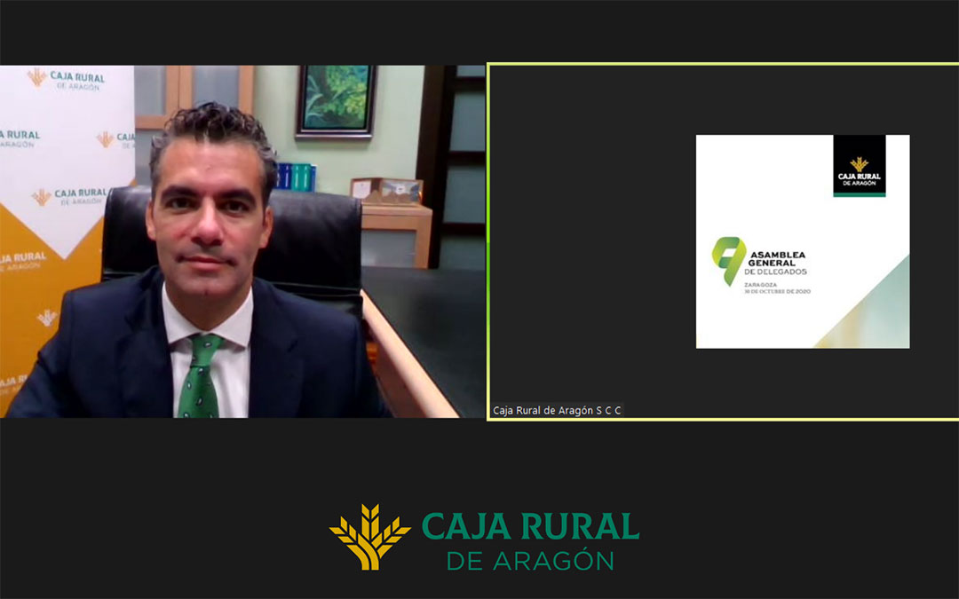 Luis Ignacio Lucas, director general de Caja Rural de Aragón en el inicio de la Asamblea General./ Caja Rural de Aragón
