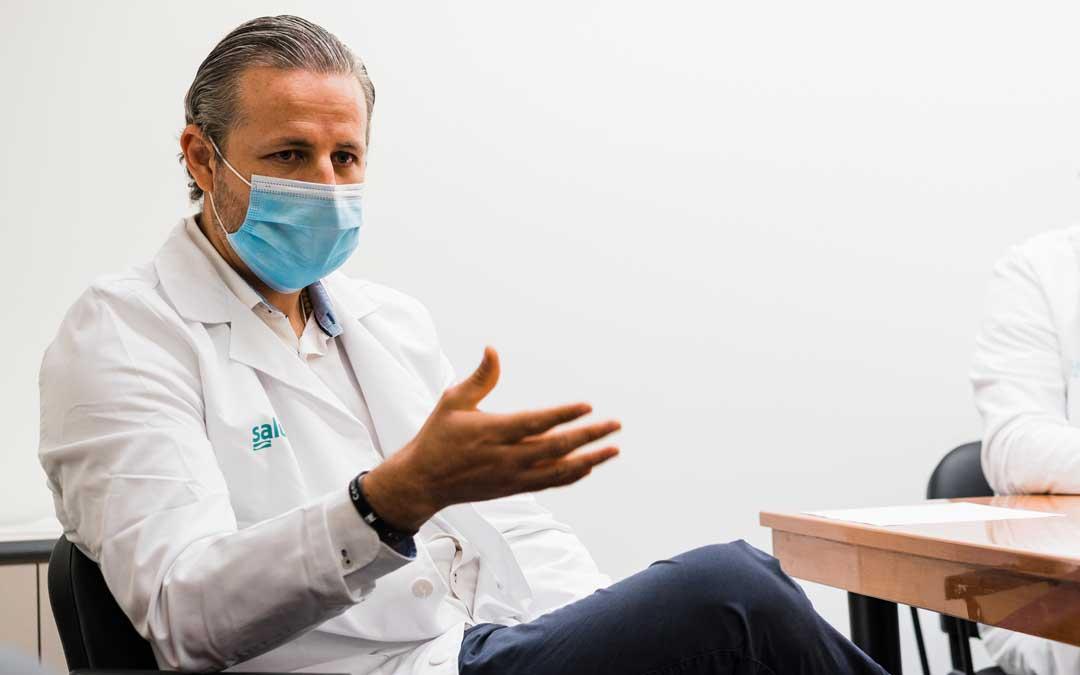 José Manuel Calderón explicando la labor de la unidad de Preventiva / Cesáreo Larrosa
