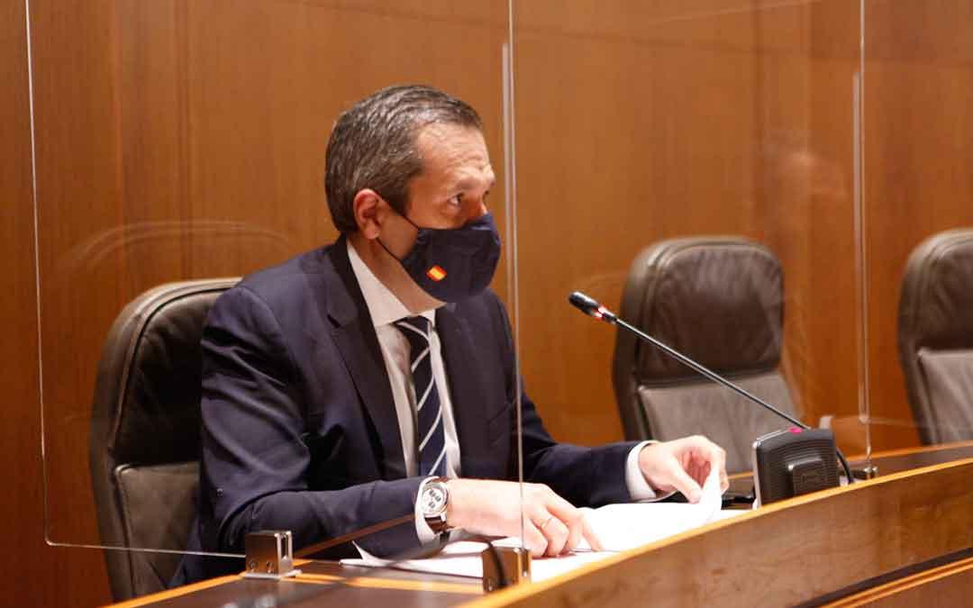 El portavoz de Ciudadanos en las Cortes aragonesas es Carlos Ortás.