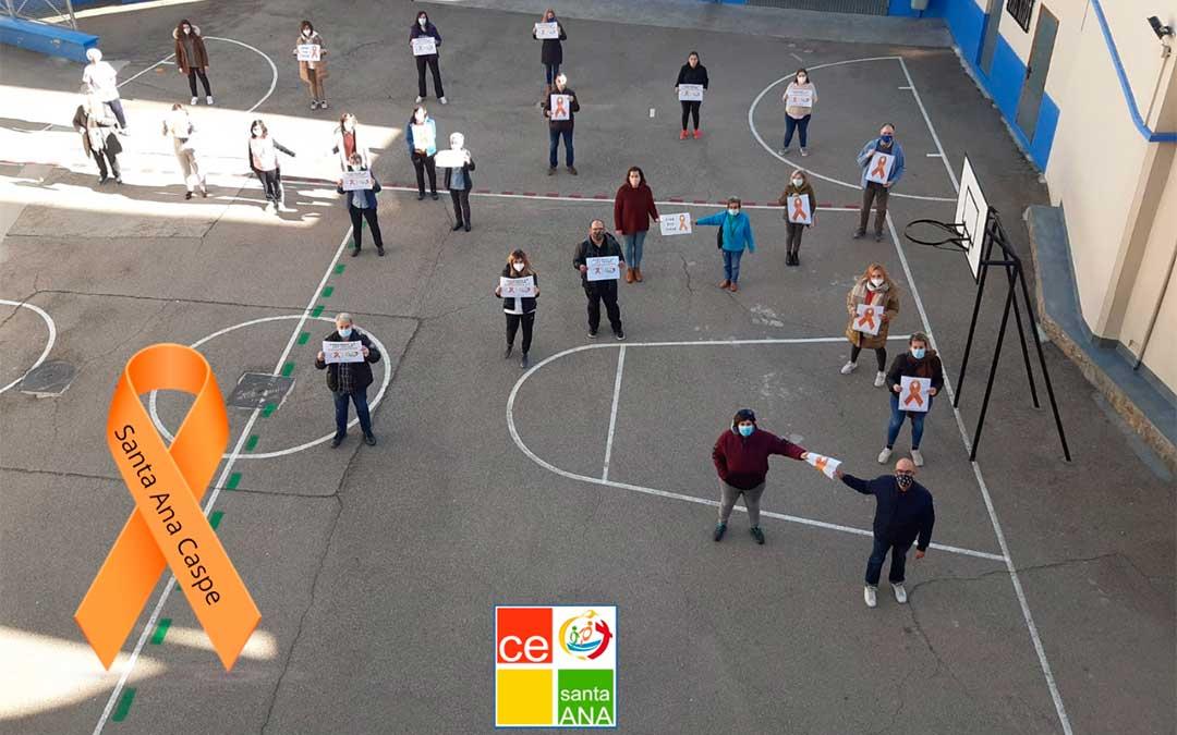 La comunidad educativa del colegio Santa Ana de Caspe protesta contra la llamada Ley Celaá./ Colegio Santa Ana