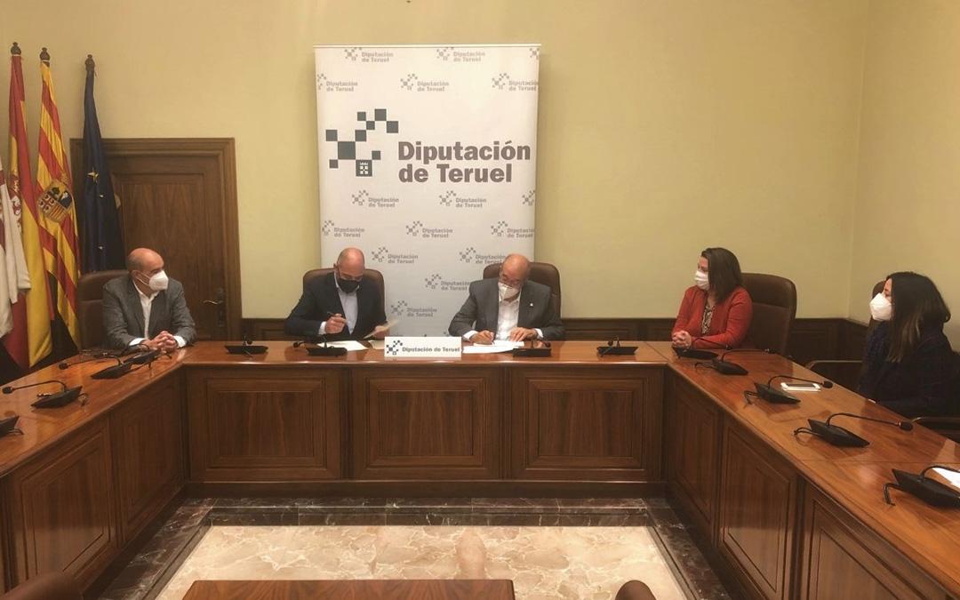 Firma del convenio de la DPT con la Cámara de Comercio de Teruel. / DPT